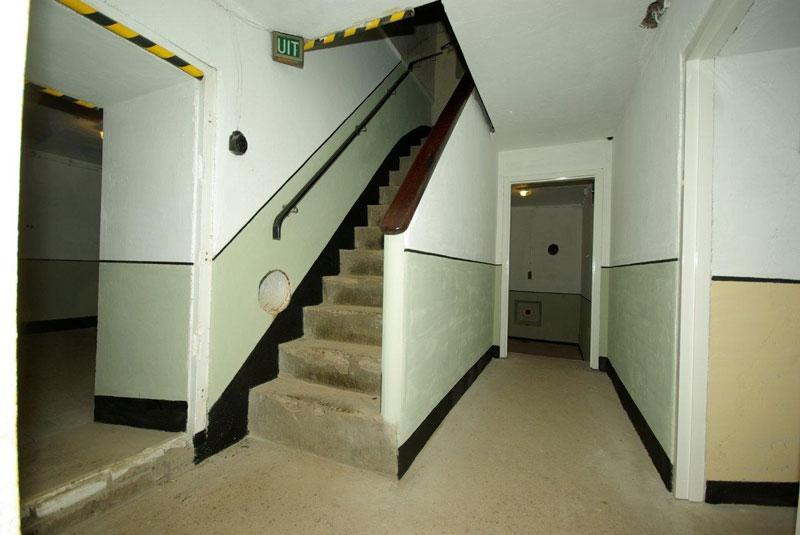 Trap-onderin-de-S414